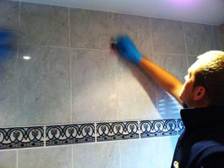 Bathroom Ceramic Tile Cleaning